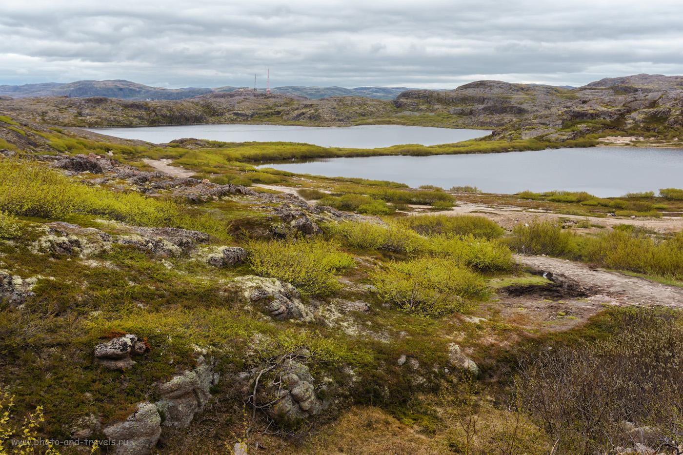 Фотография 39. Вид на озера Песчаное и Секретарское со стороны Териберского водопада.