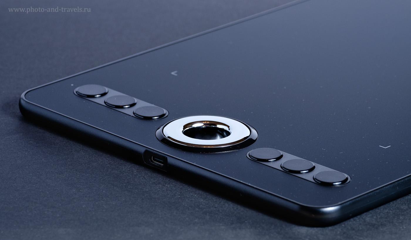 Фотография 4. Горячие клавиши и колесо управления, а также разъем для подключения графического планшета XP-PEN Deco 02 к компьютеру по кабелю USB. 1/50, 10.0, 400, 148.