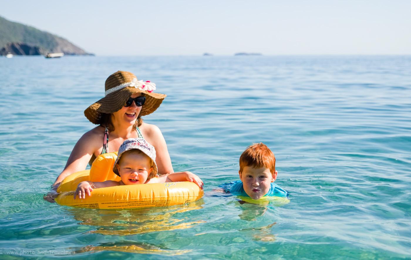 35. В надувном круге «с трусиками» сын плавал первые 2 дня. Лучше бы мы взяли матрас, на нем ему больше понравилось. Советы родителям, отдыхающим с детьми на море. 1/1900, 2.8, 200, +1, 37.