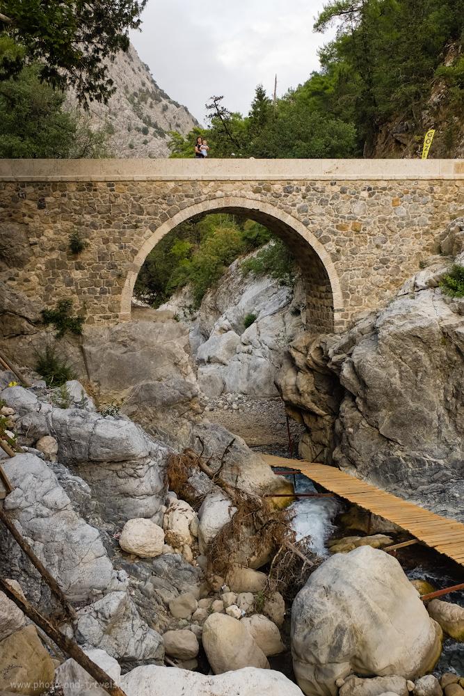 Фотография 6. Отдыхаете в Кемере с детьми и не знаете, какие интересные места посетить самостоятельно? Арендуйте машину и съездите к мосту Кесме (Kesme Boğazı) в ущелье реки Агва (Agva). 1/100, 8.0, 500, -0.33, 20.