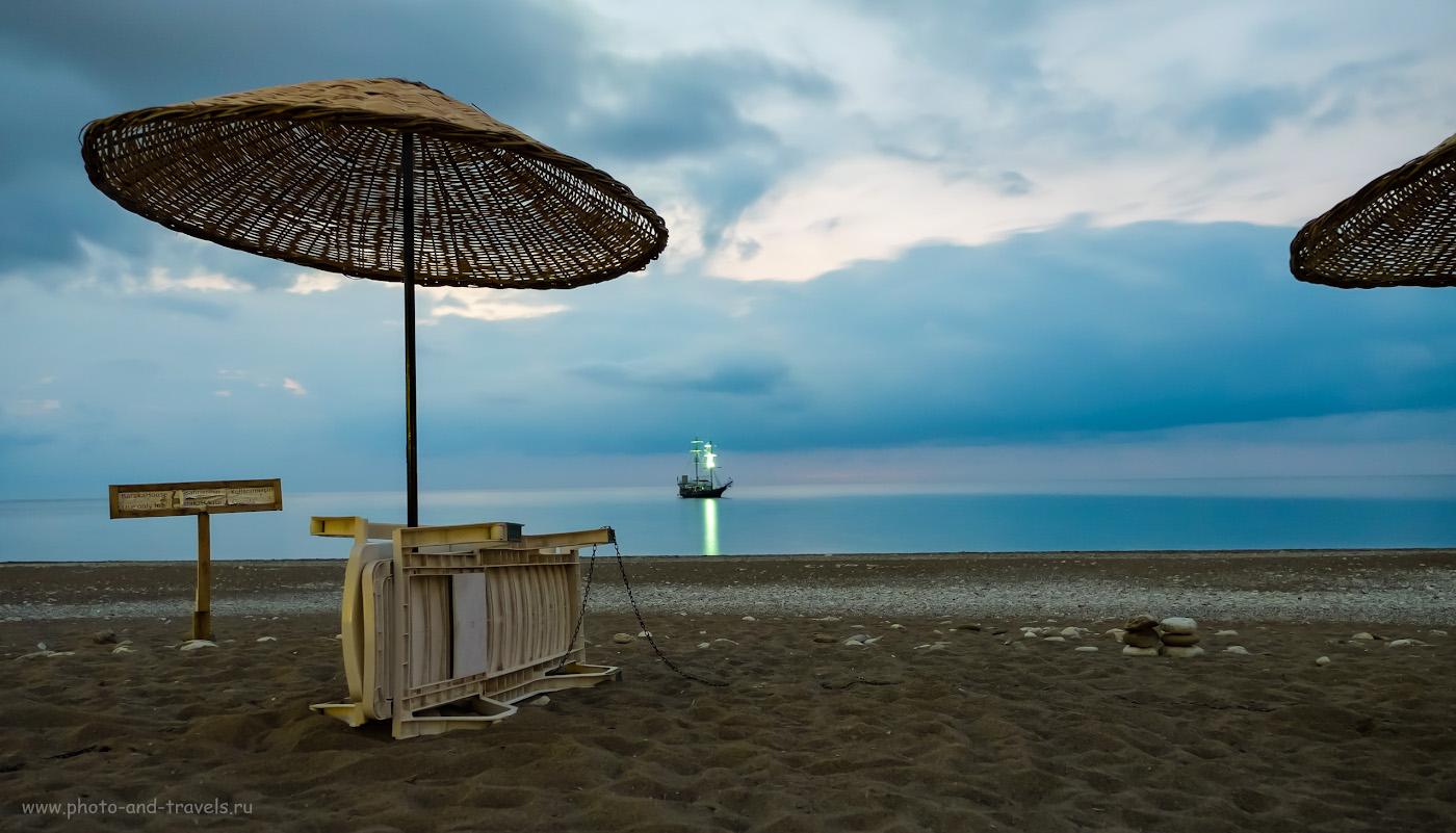 24. Ночной пейзаж, снятый на пляже Чирали. Настройки: 30 сек., f/2.8, ISO 1000, ФР=16 мм.