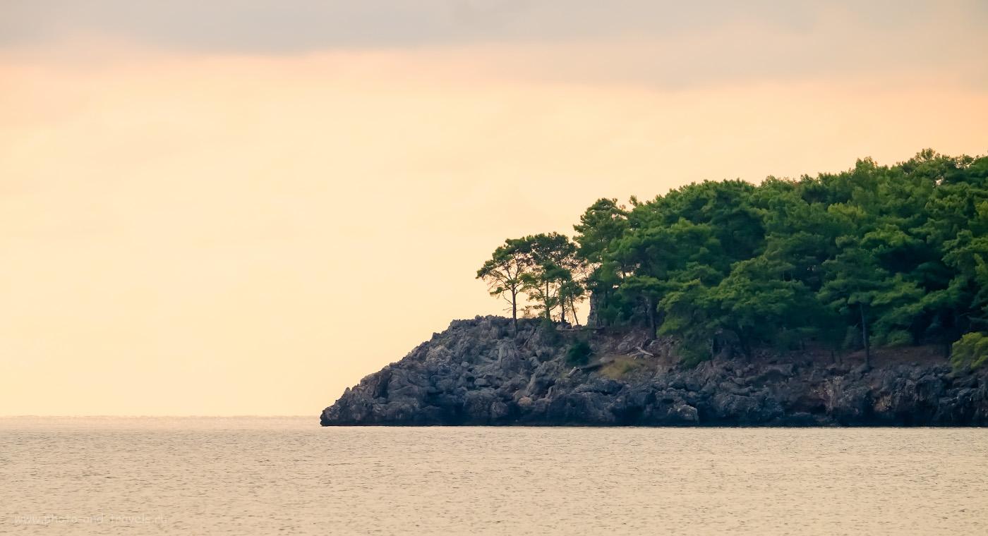 29. Мыс в южной части пляжа Олимпос. 1/320, 8.0, 1600, 0.67, 200.