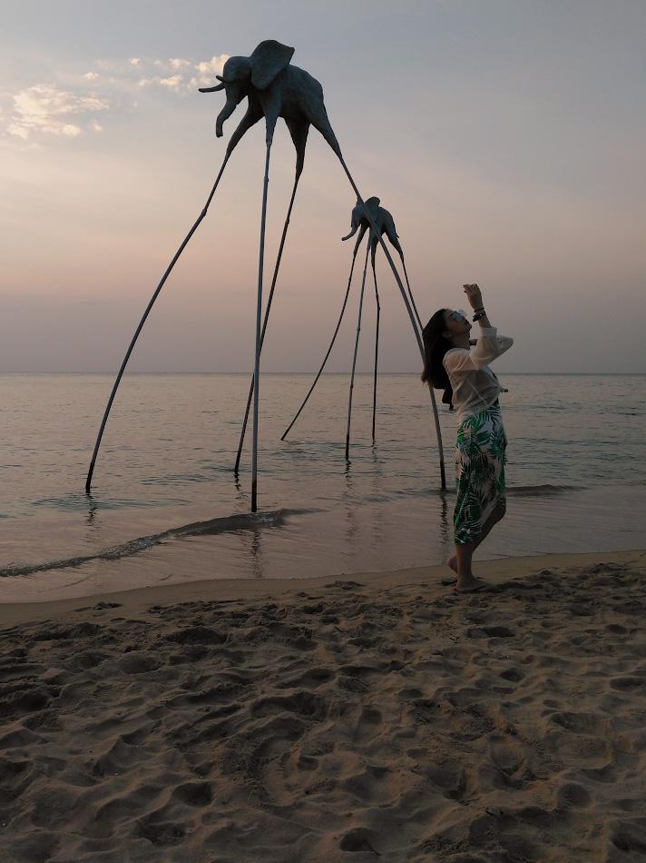 Фотография 12. Вечернее селфи на пляже Сансет Санато. Стоит ли ехать отдыхать на остров Фукуок во Вьетнаме? Путеводитель для туристов. Снято на смартфон Innos D6000.
