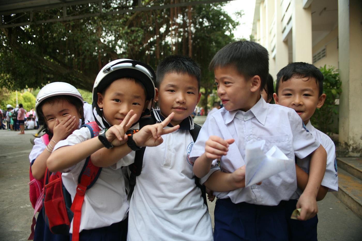 26. Вьетнамские школьники. 1/125, 4.0, 400, 80.
