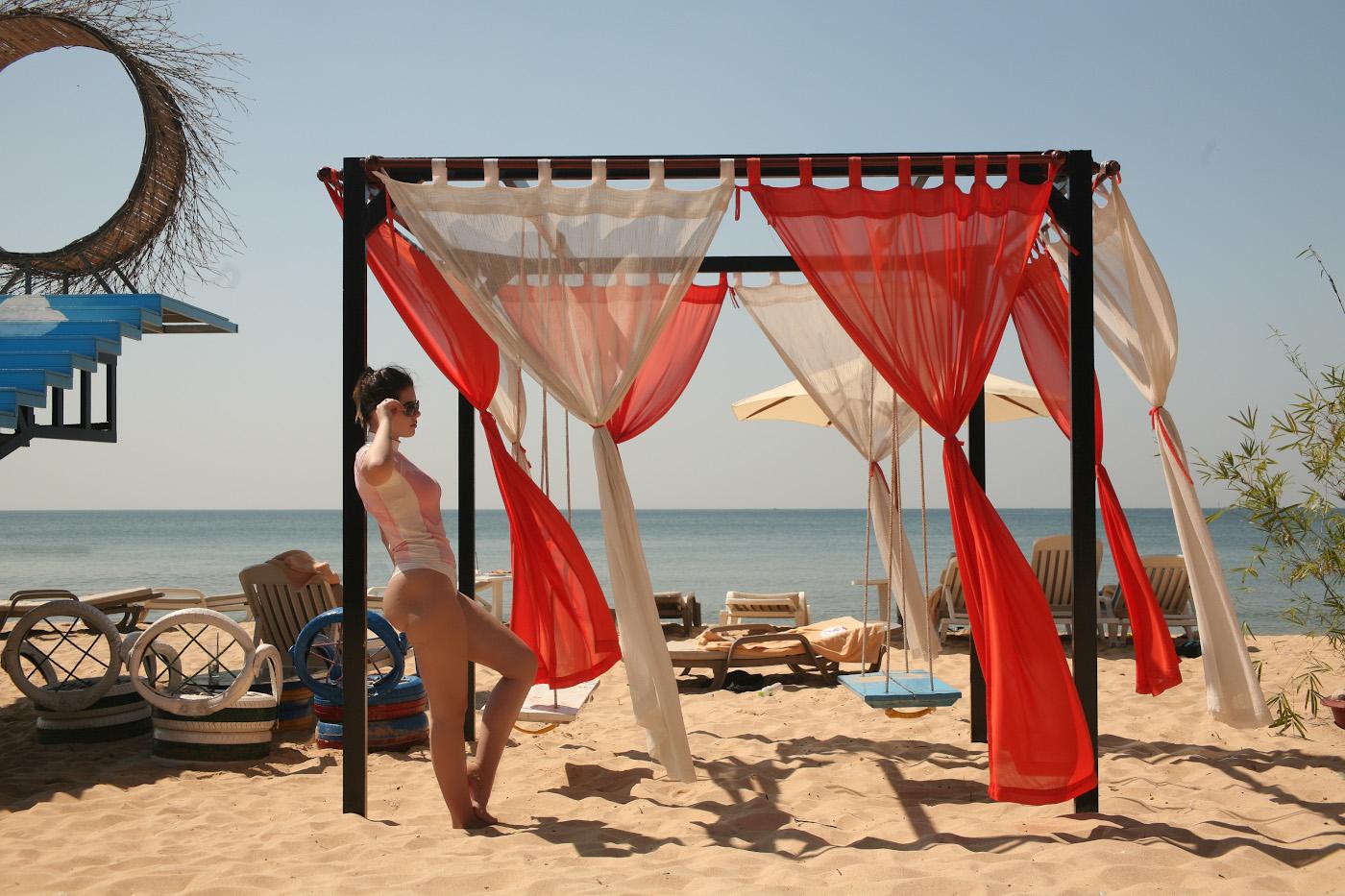 7. Фотосессия в одном из баров на пляже Лонг-бич на острове Фукуок во Вьетнаме. Отзывы туристов об отдыхе в январе.