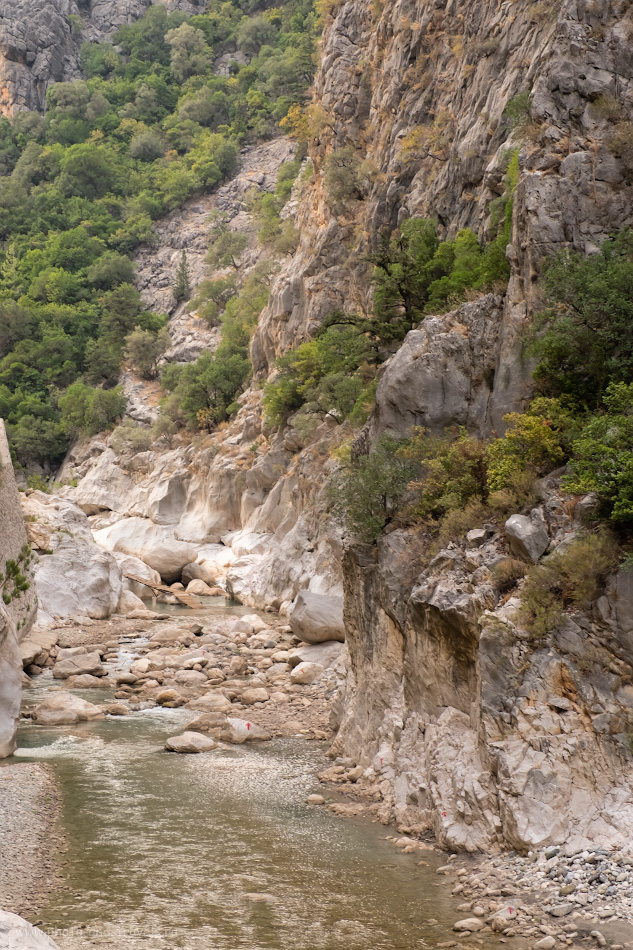Снимок 8. Русло реки Куздере. Отзыв о самостоятельной экскурсии по горам около Кемера. Отзывы туристов об отдыхе в Турции. 1/100, 8.0, 640, -0.67, 44.
