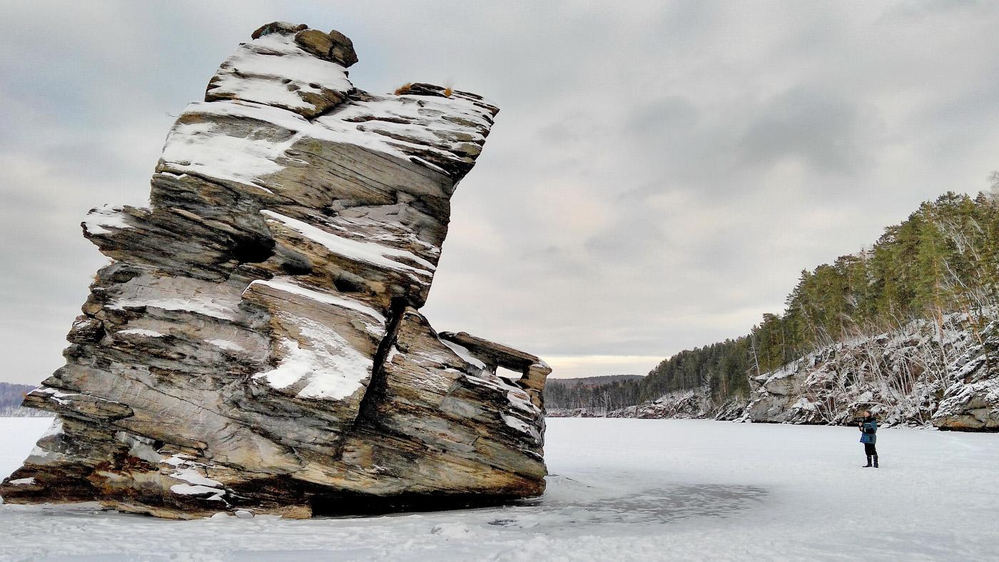 15. Скала Шайтан-камень на озере Иткуль. Какие еще достопримечательности можно посмотреть рядом? Снято на смартфон Lenovo Vibe P1A42 Gold.