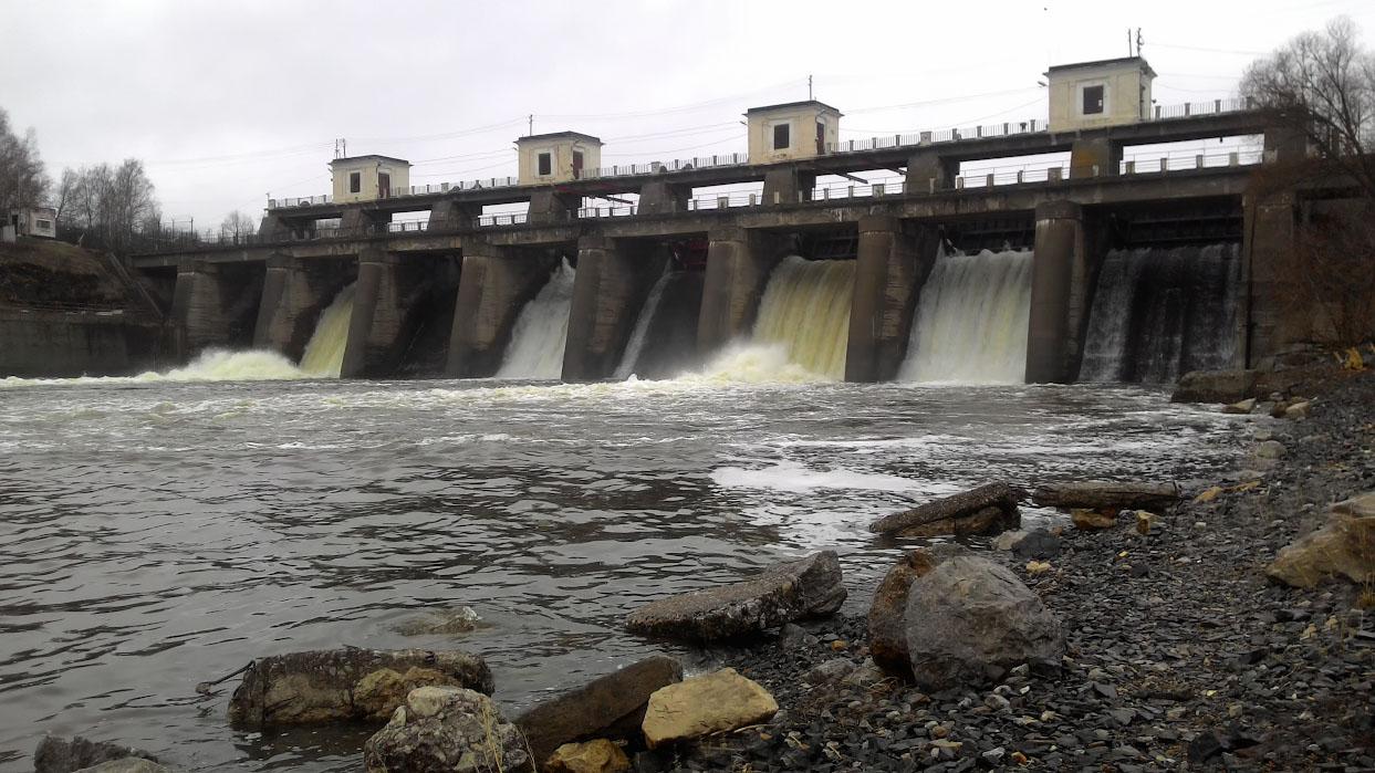 28. Порог Ревун – естественное препятствие на реке, а Волковская плотина – рукотворное.