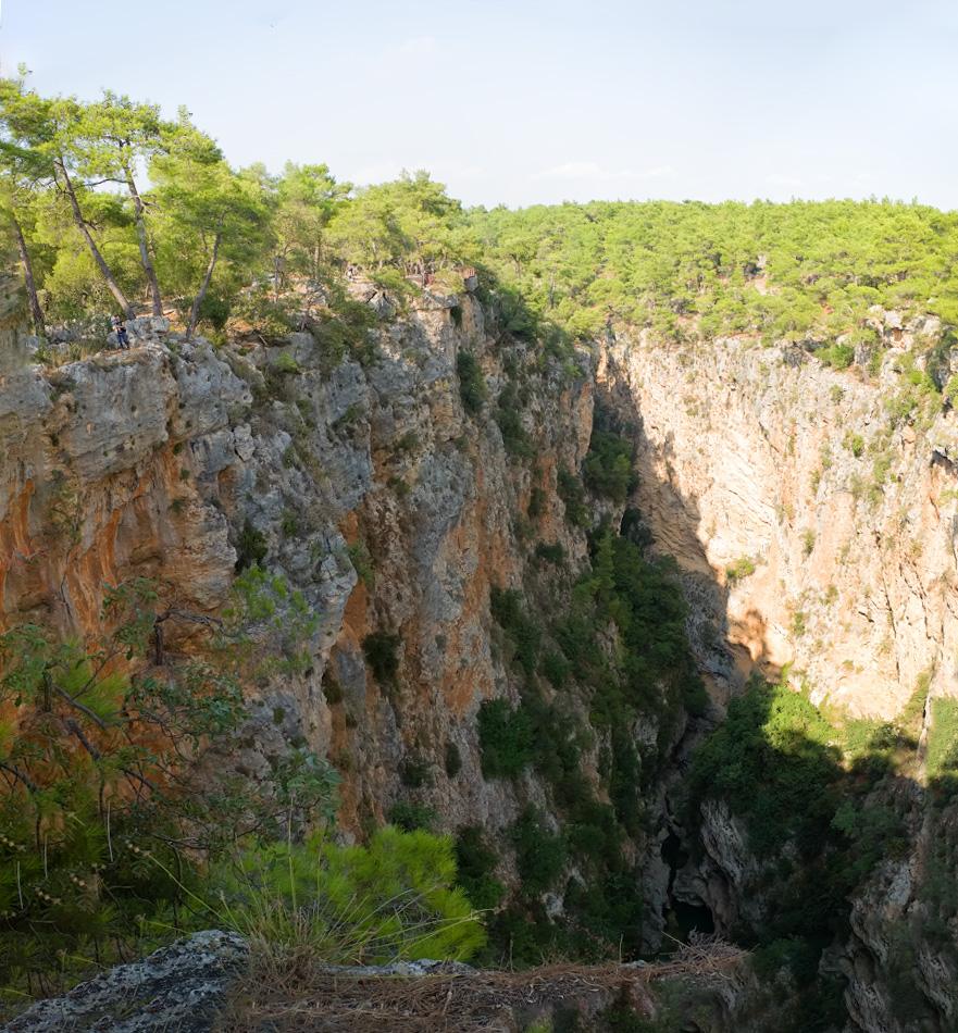 6. Панорама из 4-х кадров каньона в окрестностях Анталии. Найди Катю с Мирославом! Сюда можно приехать из Чиралы, Текирова, Кемера, Гёйнюка и Белека.