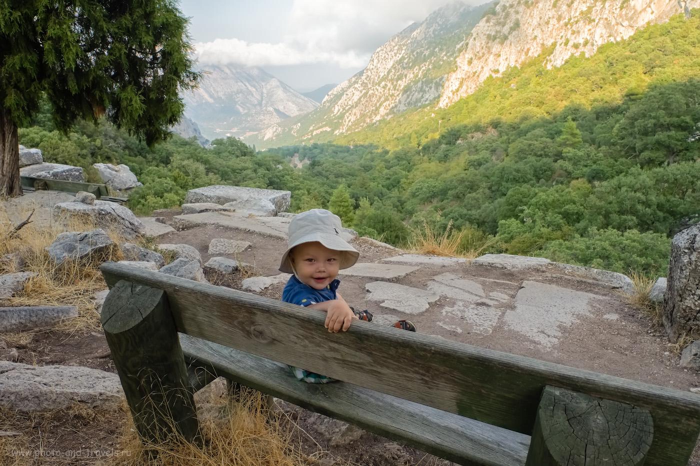 5. Отзывы об интересных экскурсиях с детьми во время отдыха в Чиралы, Кемере и Анталии. Вид на гору и долину, по которой мы ехали от касс к археологическому комплексу. 1/80, 8.0, 400, -1.33, 16.