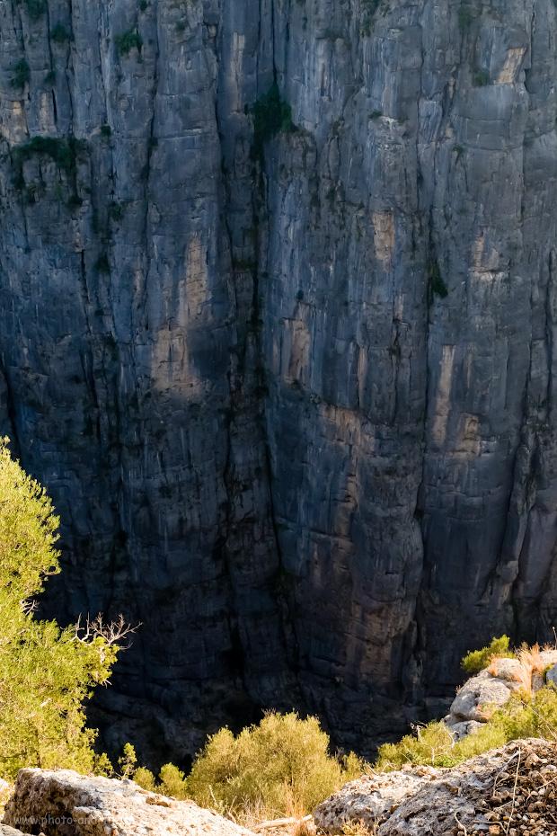 15. Стена ущелья Тазы около деревни Газилер в окрестностях Анталии. Отчет о поездке в Турцию с маленьким ребенком. 1/250, 11.0, 1600, -1.0, 25.