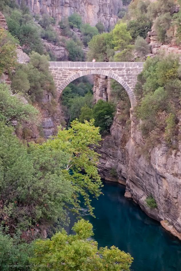 Фото 2. Мост Олук (Oluk Köprü) в природном парке «Каньон Кёпрюлю» (Köprülü Kanyon Milli Parkı). Сюда можно заехать по пути в каньон Тазы (Tazı Kanyonu), а лучше приехать на экскурсию специально для него. 1/25, 2.8, 3200, 55.