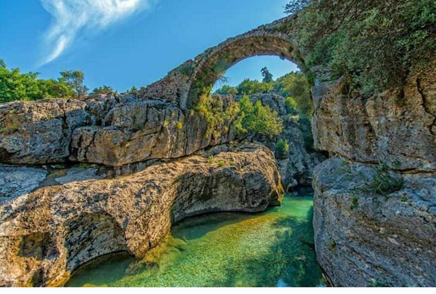 Фотография 23 Так выглядит старинный мост Бюгрюм Кёпрю (Büğrüm Köprü Kanyonu) в национальном парке «Каньон Кёпрюлю» в провинции Анталия. Какие интересные места посмотреть на отдыхе в Турции?