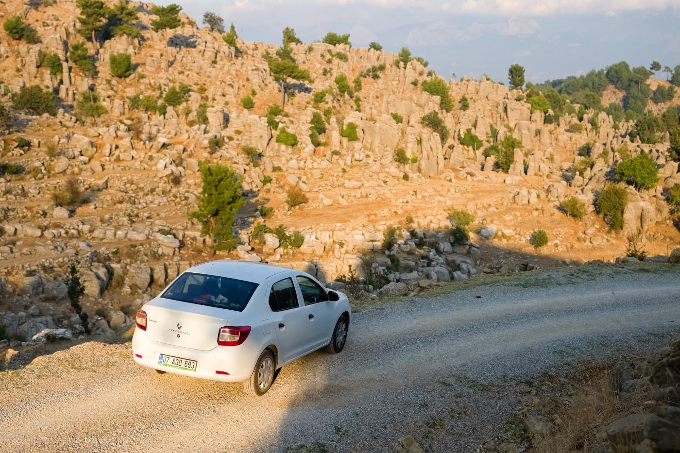 Фотография 11. Скальные ландшафты в окрестностях Сельге. Стоит ли ехать на эту экскурсию из Белека или Сиде? Обязательно! 1/1500, 2.8, 200, +0.33, 32.