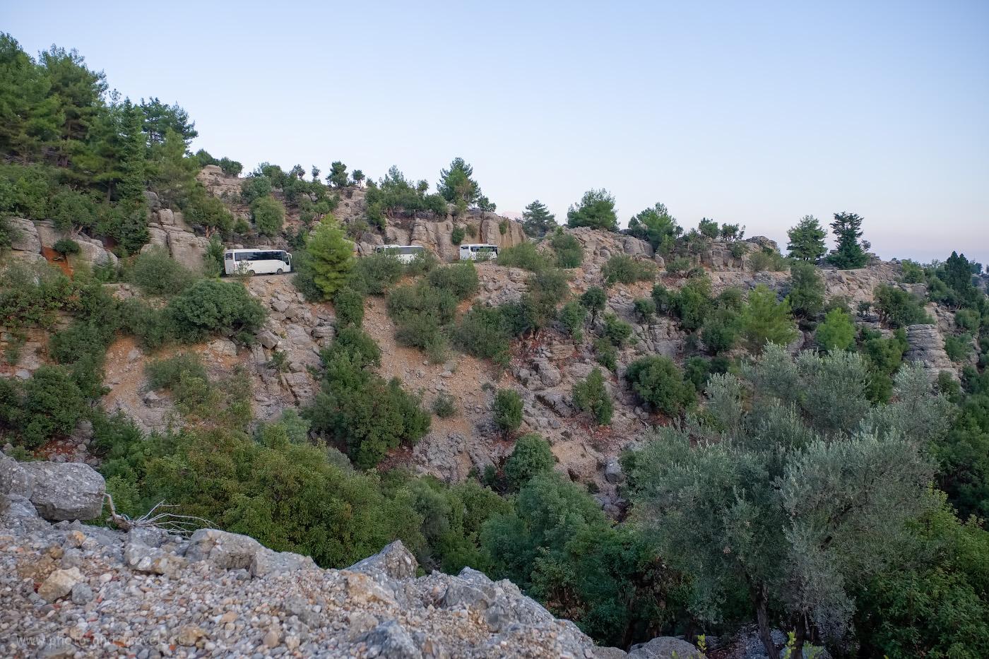 Фотография 17. Такой ландшафт видят путешественники, подъезжая к смотровой площадке «Köprülü Kanyon Manzara Seyir Noktası» со стороны Сельге. Отчеты туристов о самостоятельной поездке по Турции. 1/350, 2.8, 200, -0.33, 16.