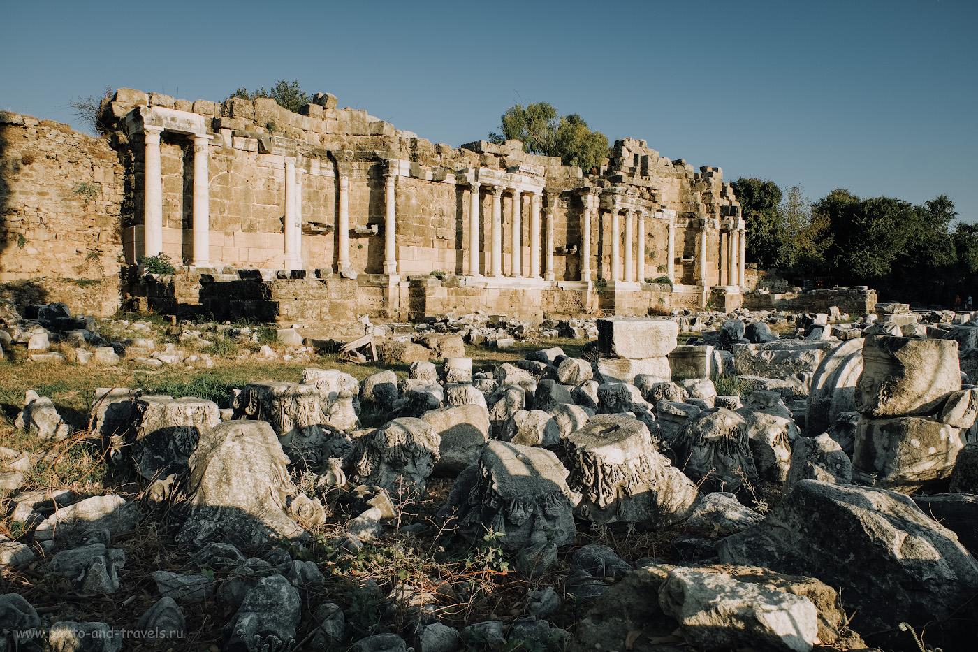 Фотография 2. Нимфеум в старой части города Сиде. Отзывы туристов об экскурсии с детьми в Турции самостоятельно. 1/210, 8.0, 200, +0.33, 16.