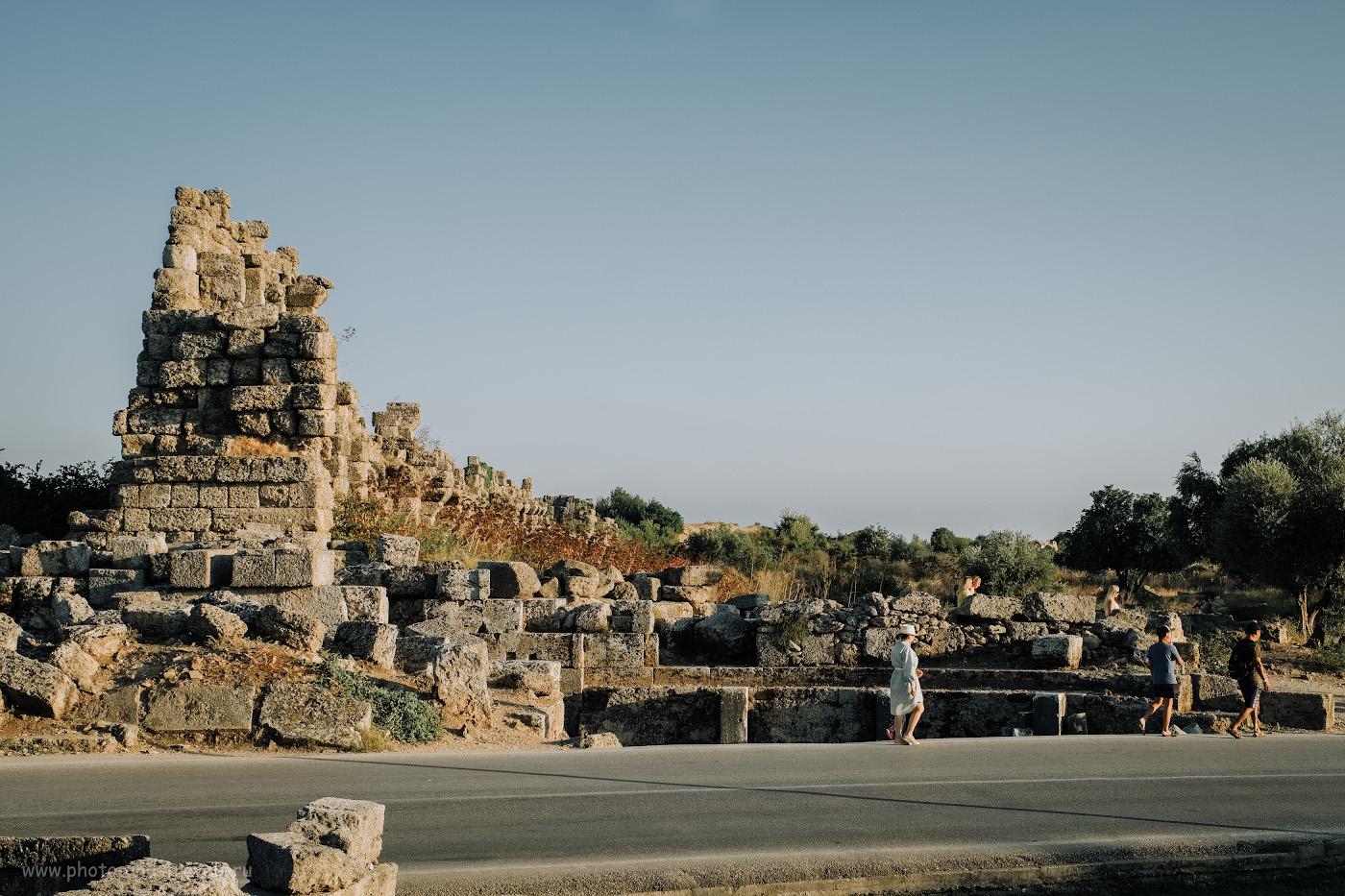 5. Городская стена около нимфеума в Сиде. Как мы съездили в Турцию с маленьким ребенком самостоятельно. 1/220, 8.0, 200, +0.33, 34.