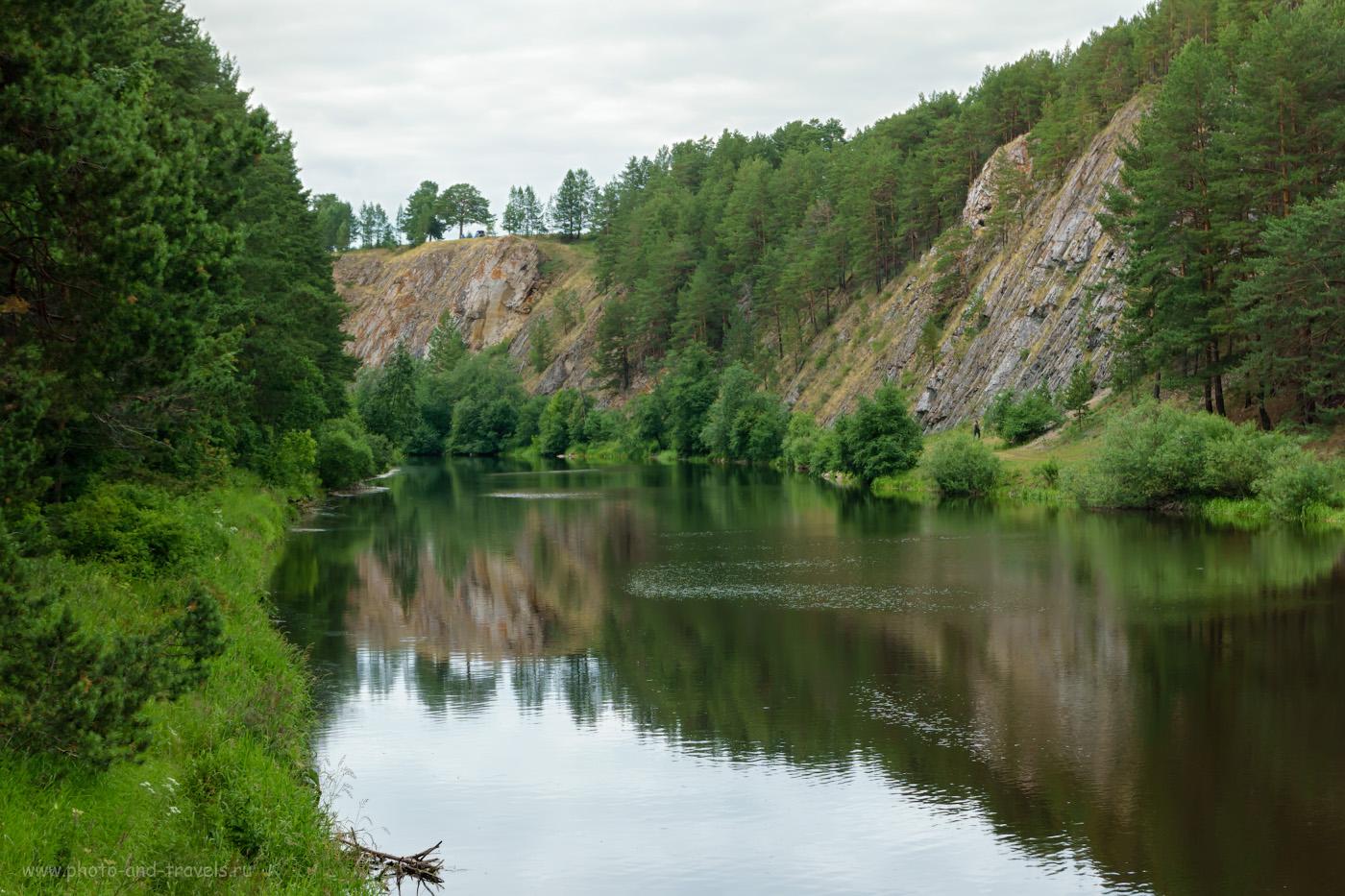 11. Вид с Моста желаний через реку Реж на Мантуров камень. 1/125, 9.0, 160, -0.7, 50.
