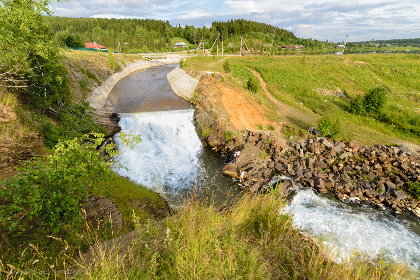 30. Висимо-Уткинский водопад. Какие достопримечательности есть недалеко от оленьей фермы?