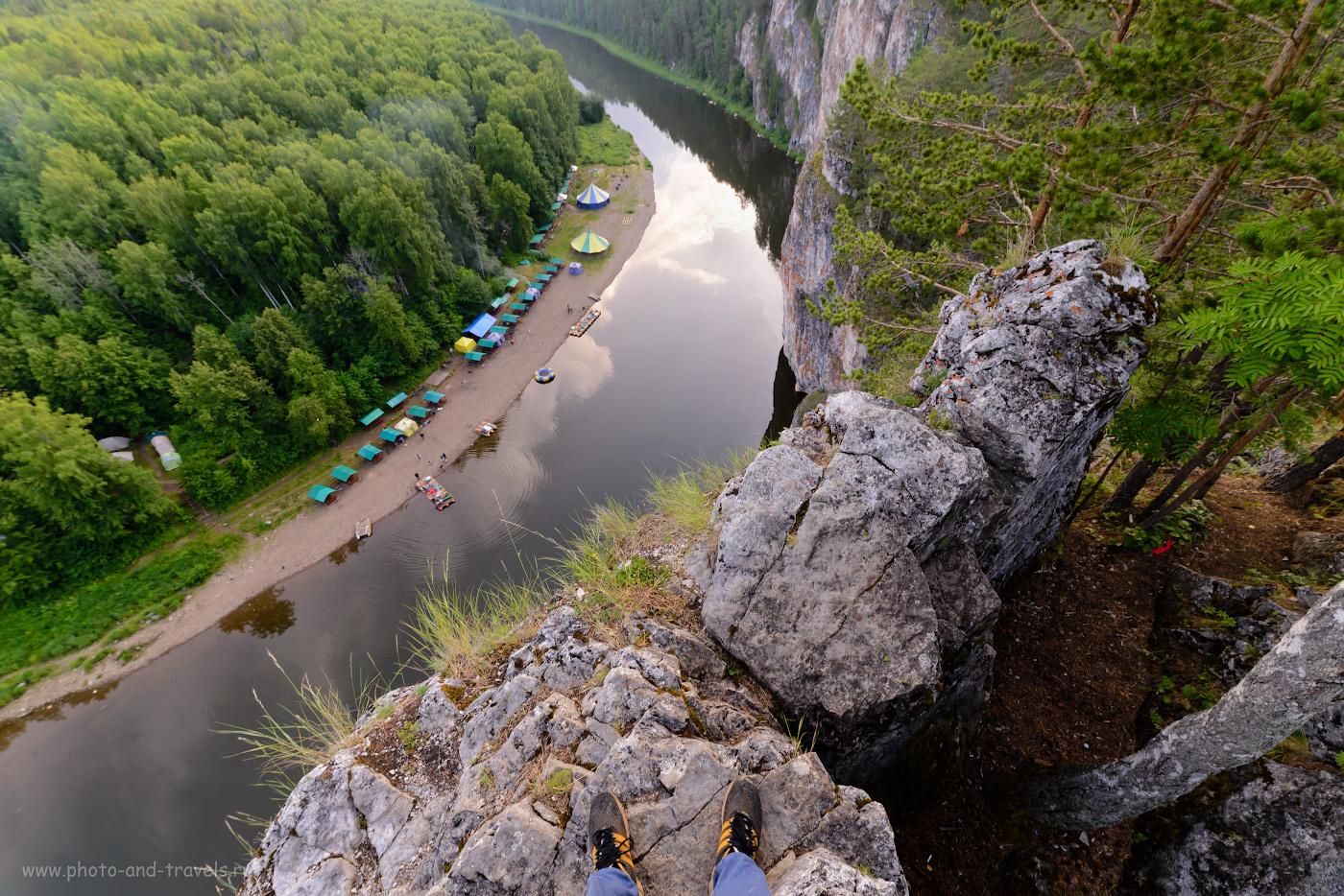 14. Вид направо со смотровой площадки камня Омутной вниз по течению Чусовой. 1/30, 9.0, 500, -0.33, 14.