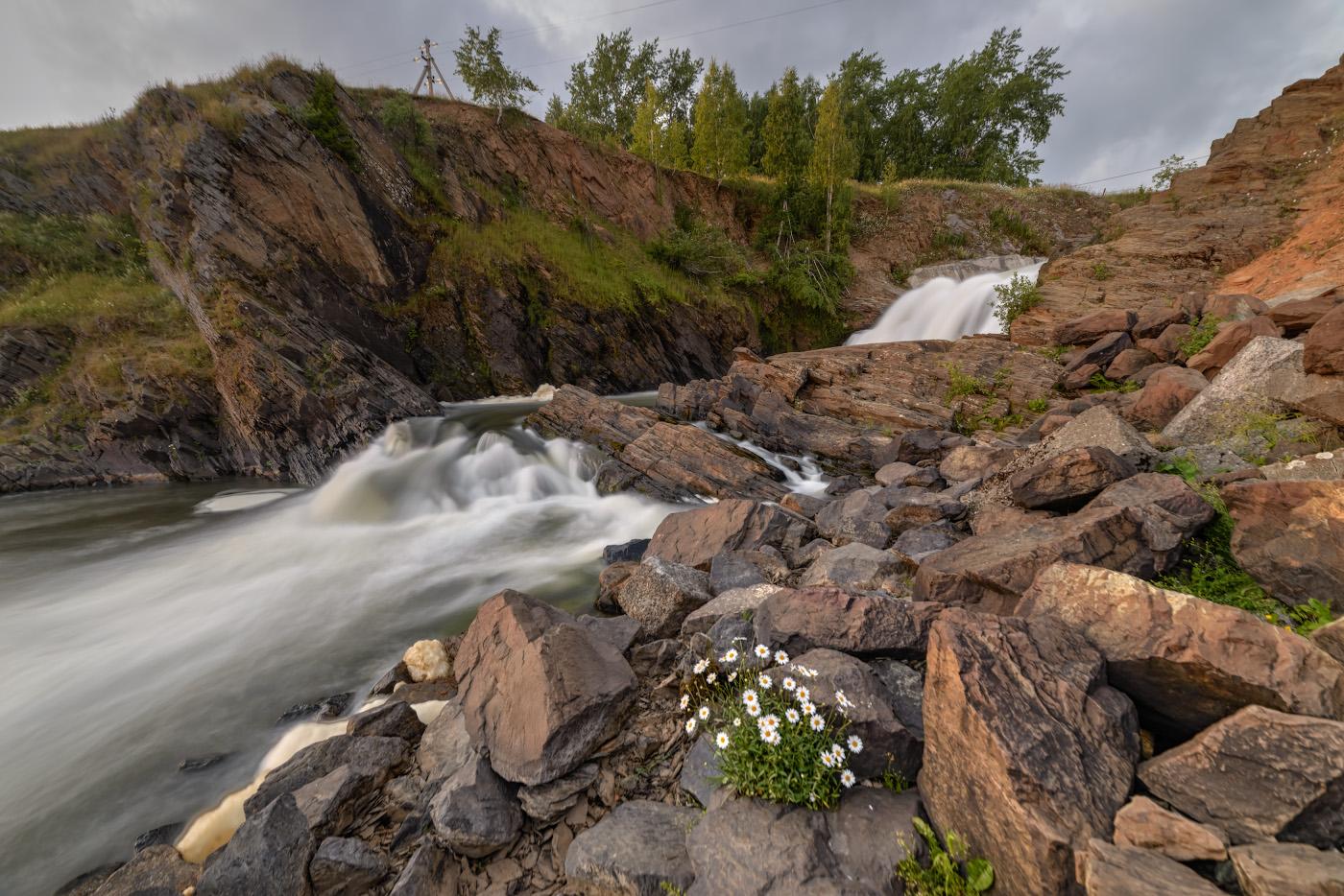 21. Так Висимо-Уткинский водопад выглядит ночью. HDR из 3-х кадров.