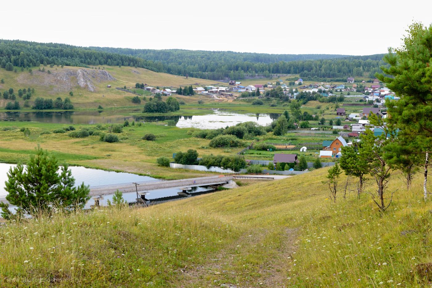 Фотография 3. Такая скала возвышается в северной стороне села Аракаево. 1/125, 8.0, 360, +0.33, 58.