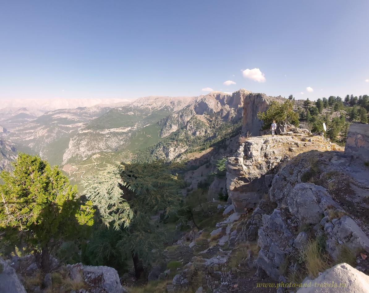31. Утес у башни Янгын Гёзетлеме (Yangın Gözetleme Kulesi) на вершине Баштепе (Baştepe). Необычайно красивые места, которые можно посмотреть, путешествуя из Алании в Каппадокию.