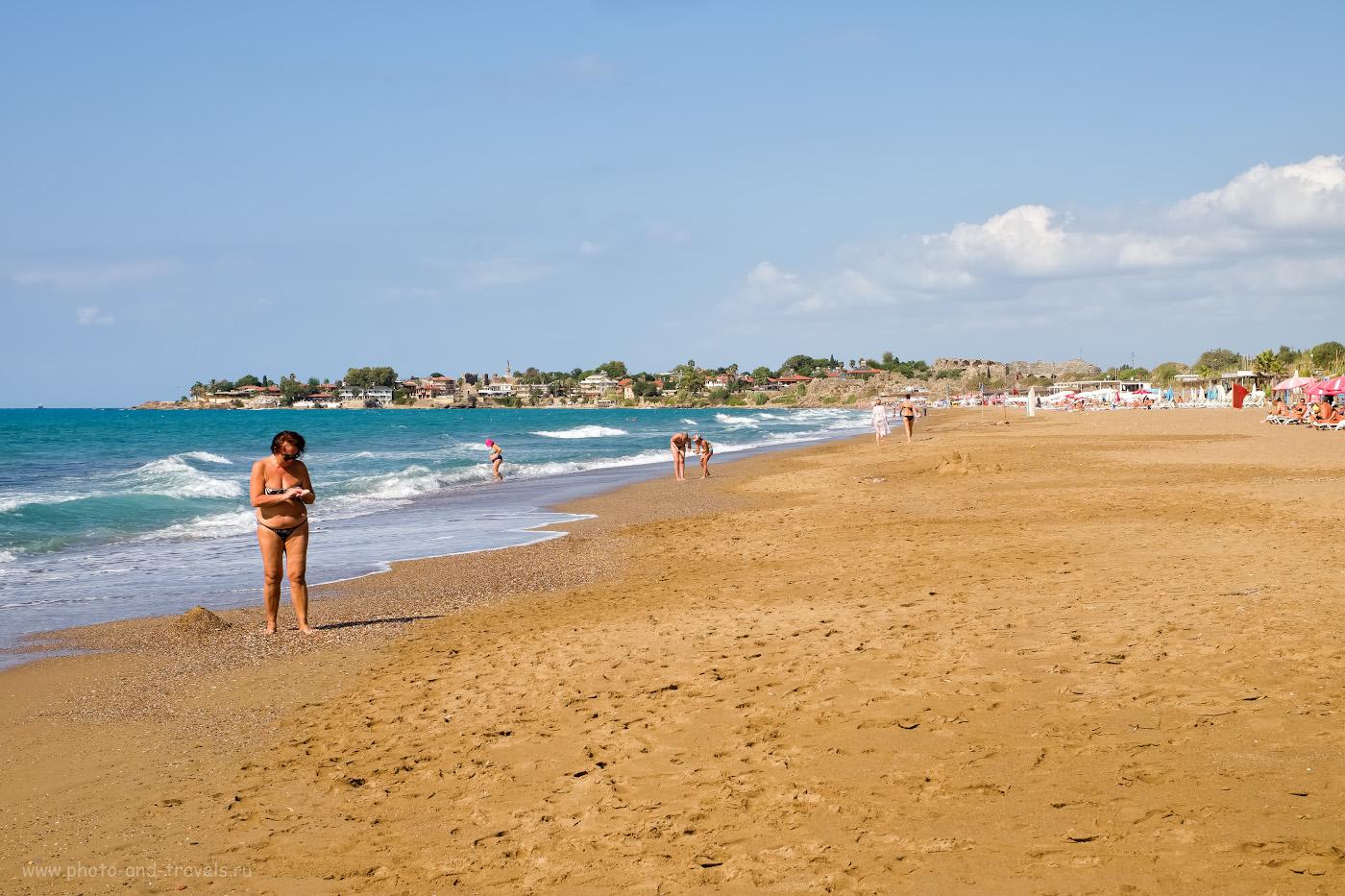 Фото. Так выглядит общественный Восточный пляж в Сиде. Дышать здесь уже полегче, чем на пляже при отеле.