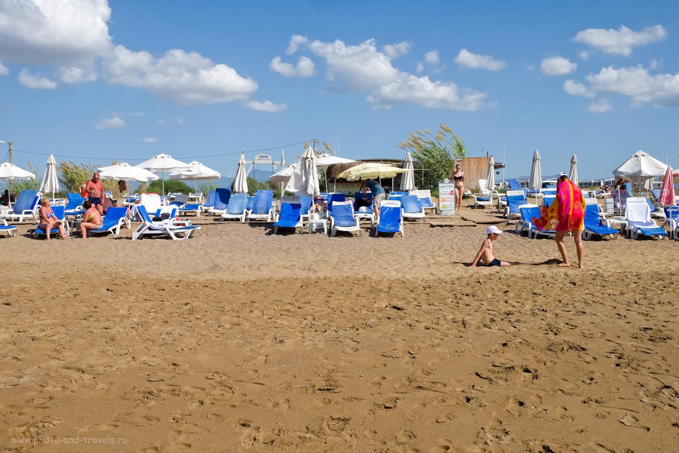 13. Так выглядит пляжный клуб отеля Irem Garden Apartments на Восточном пляже Сиде. 1/750, 8.0, 200, 22.