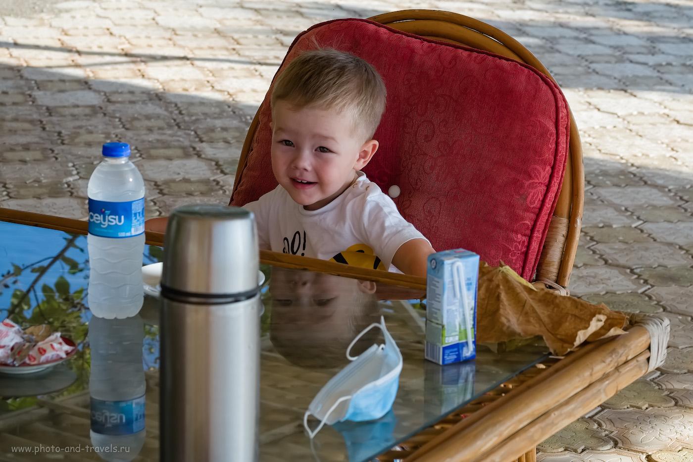 45. Термос – необходимая вещь в путешествиях по Турции с маленьким ребенком. 1/400, 7.1, 200, -0.33, 55.