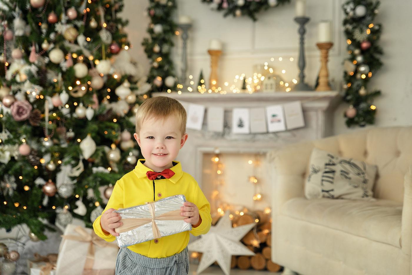 12. Студийный портрет ребенка. Примеры фотосъемки на Тамрон 24-70/2.8, установленный на полный кадр Никон Д610. Настройки: 1/160, 3.2, 400, 62.
