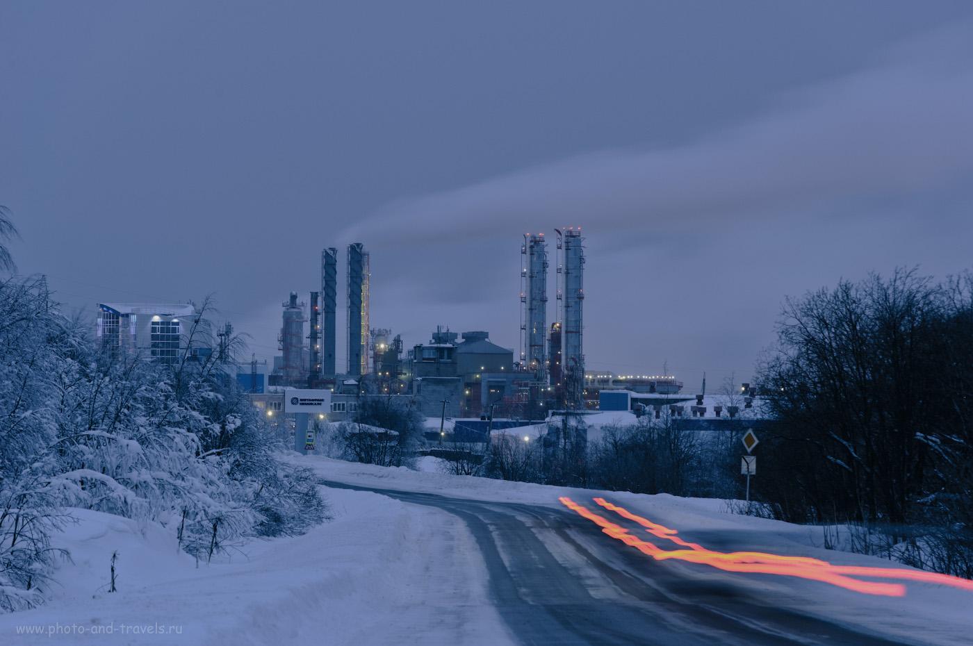 1. В Губахе расположены два крупных химических производства: Губахинский кокс и Метафракс (на фото). Настройки: В=3 сек., f/8.0, ISO 100, поправка экспозиции +1.67 EV, ФР=195 мм.
