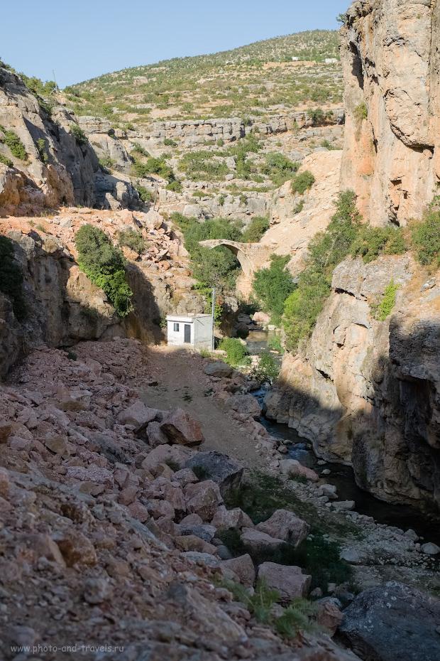 Фотография 7. Вид на каменный мост в каньоне Сасон (Mut Sason Kanyonu).