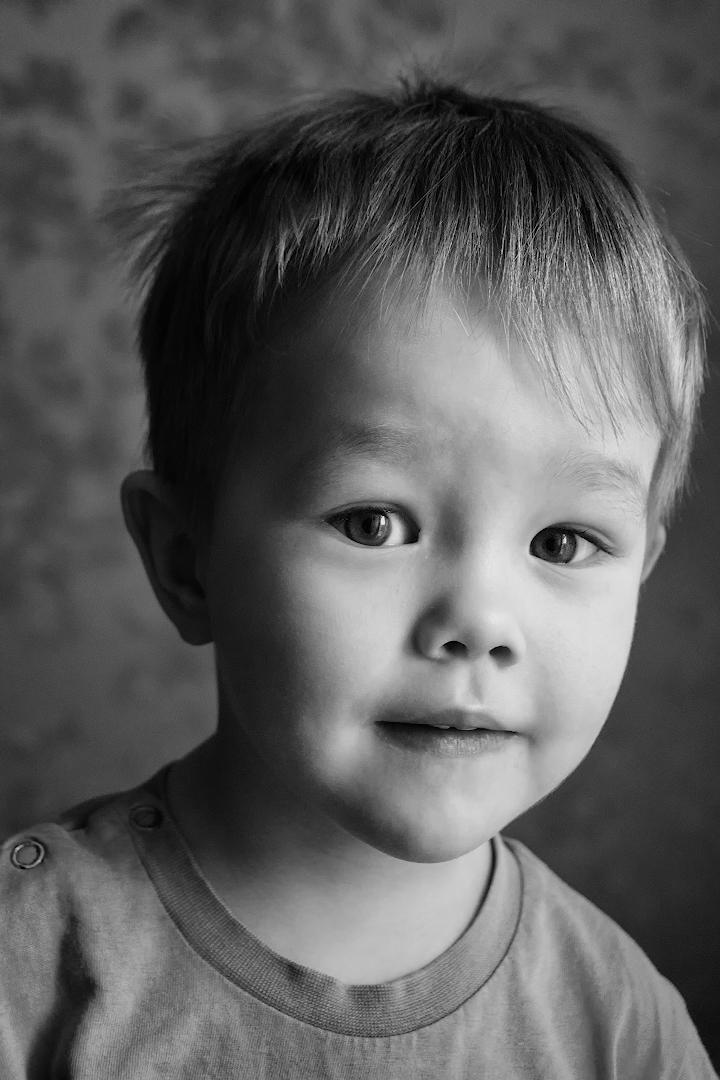 Пример съемки детского портрета на Sony A6000 KIT 16-50mm f/3.5-5.6 при свете от окна.