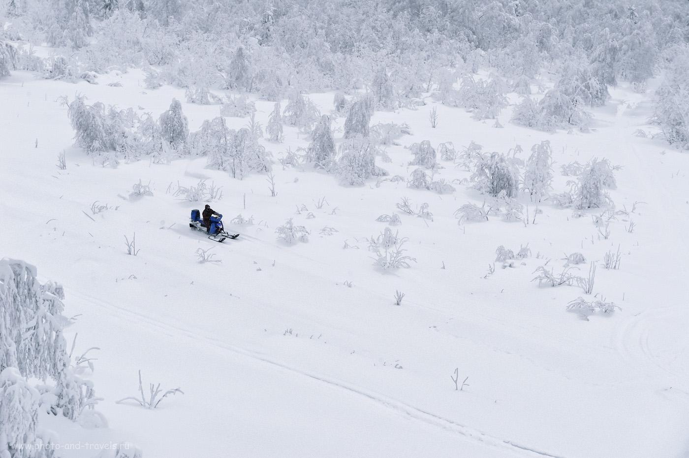 Фотография 10. Снегоход на поляне у горы Крестовая. Как мы отправились в поездку выходного дня по Пермскому краю. 1/160, 10.0, 800, +1.67, 70.