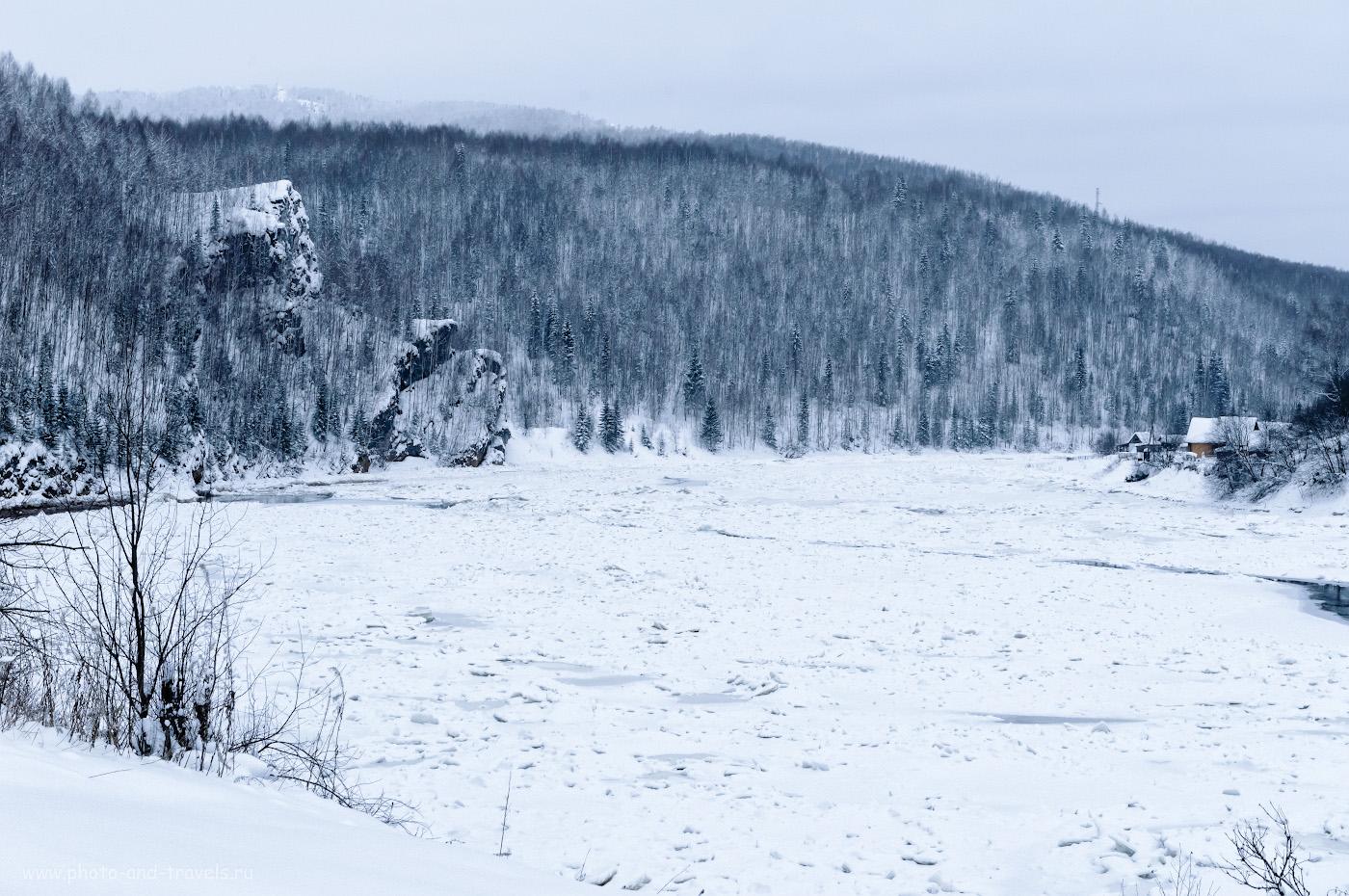 Фото 12. Скала над Койвой. Как мы пытались подняться на гору Ладейная в Губахе, что на севере Пермского края. 1/125, 9.0, 2800, +1.67, 55.