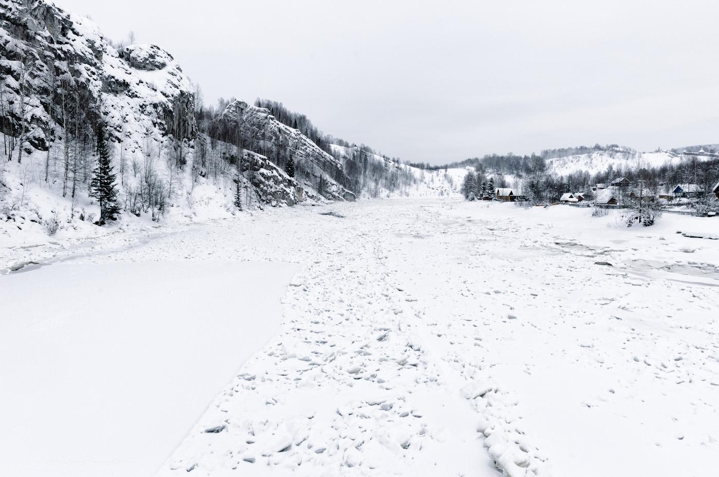 Фото 6. Вид на Косьву с моста вверх по течению. Интересные для туристов места в Пермском крае. 1/60, 9.0, 200, +1.33, 24.