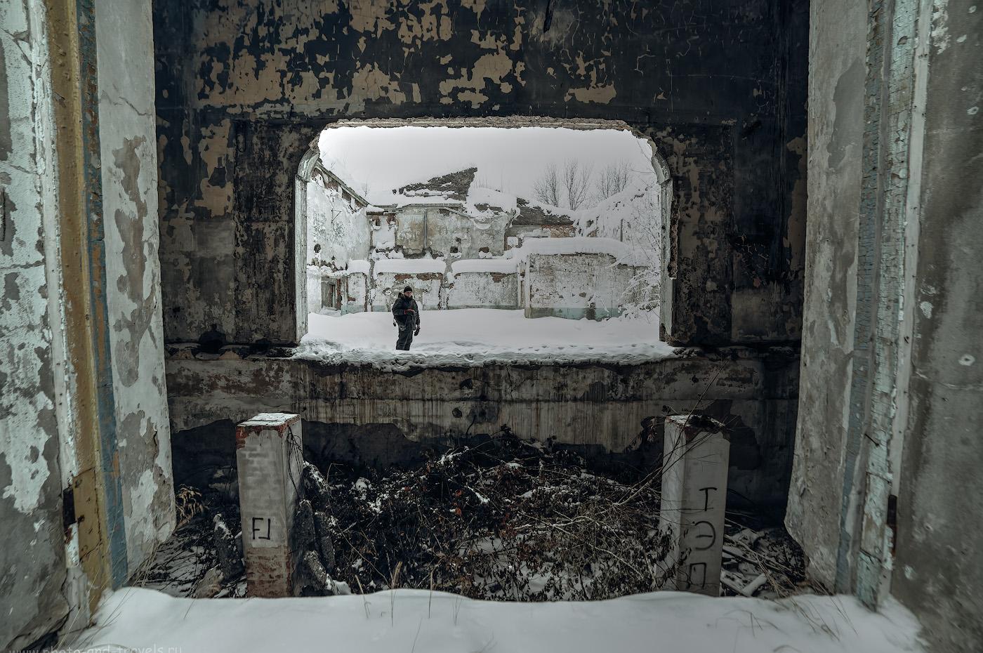 Фотография 21. Одинокий сталкер среди руин города-призрака в Пермском крае. HDR из 3-х кадров.