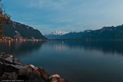 Primery fotografij, snjatyh cherez vetrovoe steklo v gorode Montrjo (Montreux) v Shvejcarii, gde my ezdili na mashine vo vremja komandirovki.