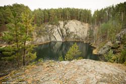 Drugoj tal'kovyj kar'er nahoditsja v prirodnom parke Bazhovskie mesta. Ozero, kotoroe obrazovalos' na ego meste nazyvaetsja Tal'kov kamen'.