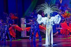 Stoit li pojti na koncert transvestitov Al'kazar Shou.