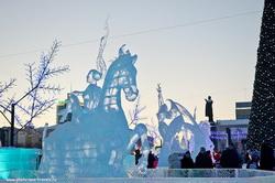 Eshhe odna popytka snjat' dostoprimechatel'nost' bez turistov - fotografii ledovogo gorodka v Ekaterinburge.