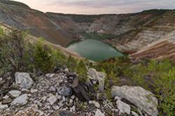 Obrazcy fotok, snjatyh na polnyj kadr Nikon D610 i Samyang 14/2.8 v otzyve pro pohod vyhodnogo dnja k Novo-Cheremshanskomu kar'eru