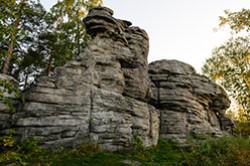 Peshij pohod k skalam Petra Gronskogo v okrestnostjah Ekaterinburga. Kak proehat'. Fotografija mashiny, kotoruju ja takzhe osveshhal svetovoj kist'ju i sobiral iz neskol'kih snimkov.