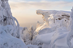 Pervoe avtomobilnoe puteshestvie po Severu Permskogo Kraia Karta marshruta Sovety turistam Otzyv o pokhode na skaly Kamennyi gorod na Novogodnie prazdniki.